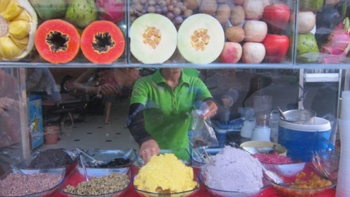 fruits, jellies and crushed beans at an iced dessert stall