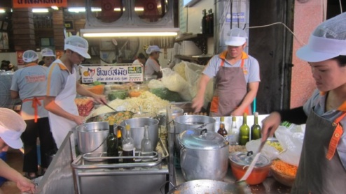 wok 'n' roll, the busy kitchen at Thip Samai